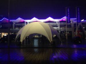 tentstructuur voor RAI, Masters of LXRY. Mascolino tentverhuur verzorgde een droge entrée